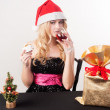 Blond womwith gift bag — Stock Photo #36939151