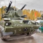 Antiaircraft gun missile system Tunguska M1 — Stock Photo #48635725