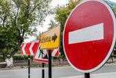 Detour signs on the road — Stock Photo