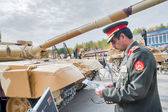 Officer of foreign army studies tank T-72. Russia — Stock Photo