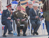 Veterans of World War II on tribunes — Foto Stock