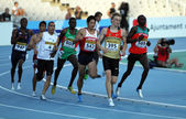 Athletes compete in the 800 meters final on the 2012 IAAF World Junior Athletics Championships on July 14, 2012 in Barcelona, Spain. — Stock Photo
