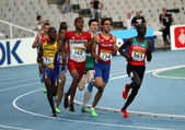 Athletes in the 800 meters on the 2012 IAAF World Junior Athletics Championships on July 14, 2012 in Barcelona, Spain — Stock Photo
