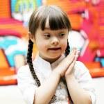 Portrait of beautiful young girl praying — Stock Photo