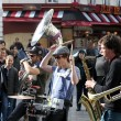 Group of young musicians as seen on Montmartre in Paris  — Stockfoto
