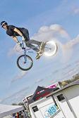 BMX jumper — Stock Photo