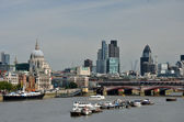 View of river thames and city of london — Stock Photo