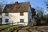 Rear of large white cottage — Stok fotoğraf