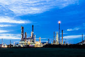 Oil refinery plant at twilight morning — Stock Photo