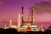 Oil refinery plant and smoke at twilight morning — Stock Photo