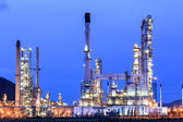 Oil refinery plant at dusk — Stock Photo