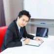 Business man signing contract — Stock Photo