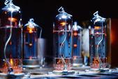 Gloeiende vacuüm buizen van de electron — Stockfoto