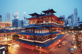 Buddha Toothe Relic Temple in Singapore. — Stock Photo