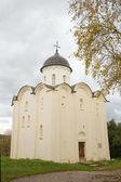 Iglesia de san jorge. fortaleza viejo ladoga, rusia — Foto de Stock