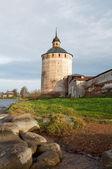 Um monumento arquitetônico do norte da rússia. o kirillo-belo — Foto Stock