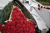 Wreath fallen defenders of the tank T-34 — Stock Photo