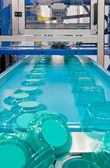 Masowej produkcji opakowań z tworzyw sztucznych — Zdjęcie stockowe
