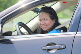 在车里的女人 — 图库照片
