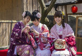 Three japanese girls in kimono — Stockfoto