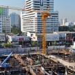 Busy Commercial Construction Site in Downtown Bangkok, Thailand. — Stock Photo