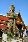 Giant Mosaic Figure Guards the Temples at the Grand Palace. — Stock Photo