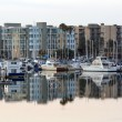 Marina Del Rey Marina Boats & Apartments at Dawn. — Stock Photo