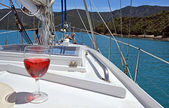 Red Rose Wine on a Yacht in the Marlborough Sounds. — Stock Photo