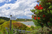 Beach Access Sign at Kaiteriteri Beach, Abel Tasman National Park, New Zealand — Stock Photo