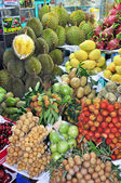 Fruit stall at Ben Tanh Market, Ho Chi MInh City. — Foto Stock