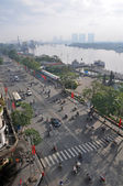 Morning on Ton Duc Thang Street beside the Saigon River. — Stock Photo