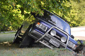 Christchurch Earthquake - 4WD Vehicle Falls Into A Crack — Stock Photo