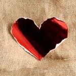 Glossy paper heart. — Stock Photo