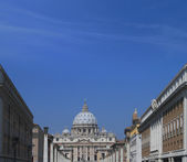 St. Peter's cathedral in Vatican city — Stock Photo