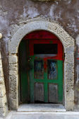 Weathered door on the old town of Chania, Crete island — 图库照片