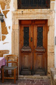 Weathered door on the old town of Chania, Crete island — Stock Photo