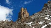 吉尔吉斯山类似于一座塔复杂岩 — 图库照片