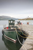 Boat in Harbor by Pier, Isle of Skye — Stock Photo