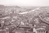 River Arno and Cityscape of Florence, Italy — Stock Photo