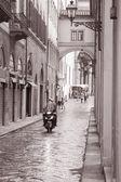 Lungarno degli Acciaiuoli Street in Florence, Italy — Stock Photo