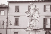 Fountain with Angels, Piazza dei Miracoli in Pisa — Stock Photo