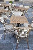 Kawiarnia stół i krzesła stare mesto okolicy, praga — Zdjęcie stockowe