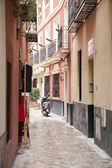 Motorbike in Street in the Santa Cruz Neighbourhood of Seville — Stok fotoğraf