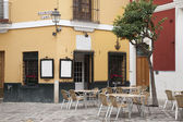 Cafe Tables and Chairs, Santa Cruz Neighbourhood, Seville — Stock Photo