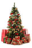 Beautiful christmas tree with gift boxes and shopping bags — Stock fotografie