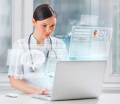 Doctor scanning brain of patient — Stock Photo