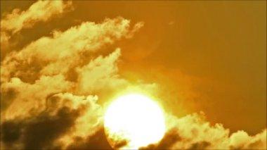 Morning Sun Behind Cloud2 — Stock Video