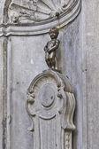 Standbeeld van manneken pis in brussel — Stockfoto