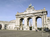 BRUSSELS, BELGIUM-JUNE 23:The Triumphal Arch in Cinquantenaire P — Stock Photo