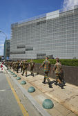 Some militaries ready for a meeting at Berlaymont Office — Foto de Stock